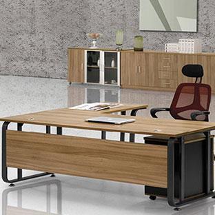 博飞伟业老板办公桌